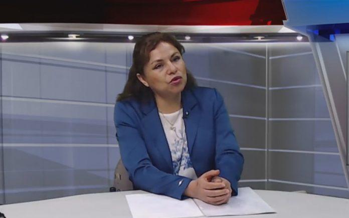 Eliana Revollar - Ideeleradio